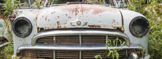 車の錆は修理すべき?DIYでも可能?